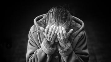 alzheimer_hastası_bakımı-2